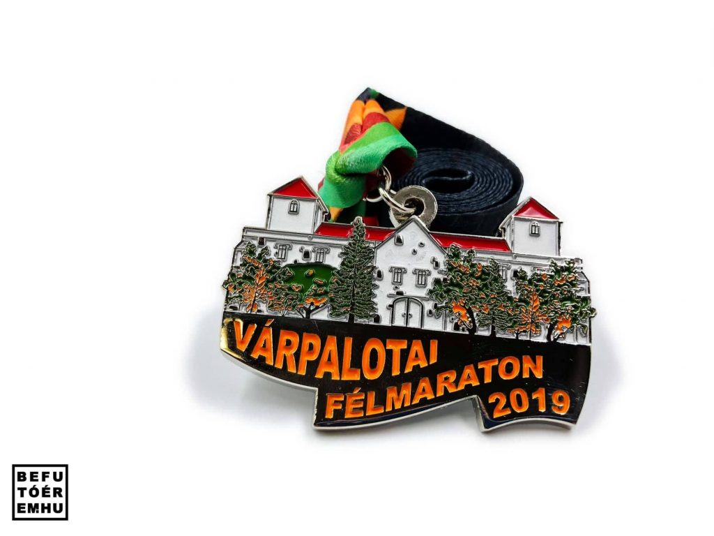 Várpalotai félmaraton 2019 befutóérem